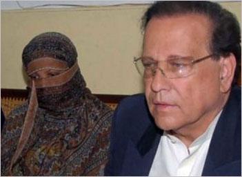 Asia Bibi with Salmaan Taseer