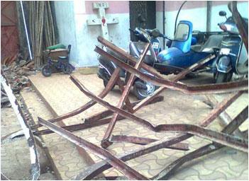 Mumbai crosses, shrines demolition